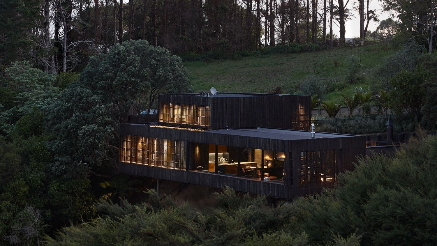 Waiheke Builders Whelan Building team up with Herbst Architects to deliver this spectacular property