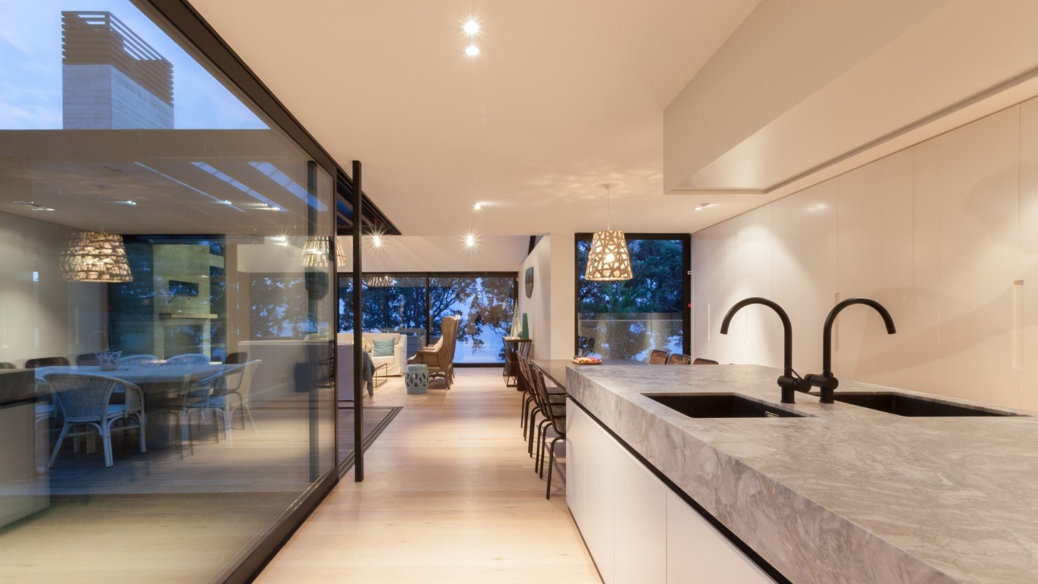 High end home built by Waiheke Builders Whelan Building