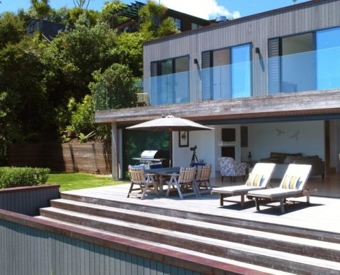 Exterior of stunning home on Waiheke Island built by Whelan Building
